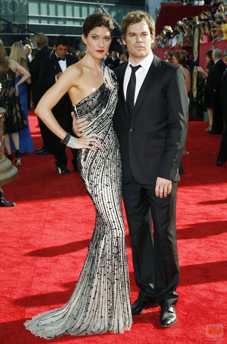 http://seacercaelinvierno.files.wordpress.com/2010/12/13151_jennifer-carpenter-y-michael-c-hall.jpg